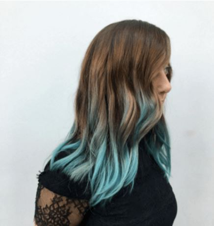 Teal hair color at the end of hair